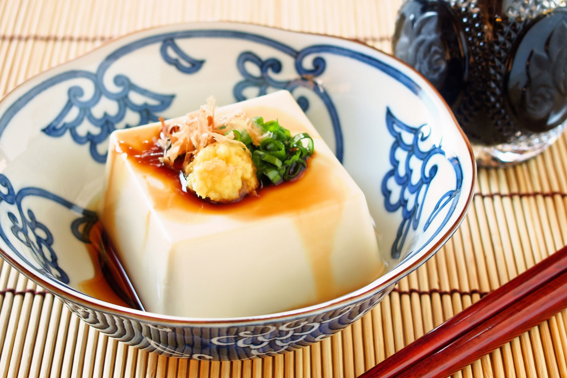 授乳中でもできる産後ダイエット!忙しいママに「食べながら痩せるダイエット」のススメ。豆腐