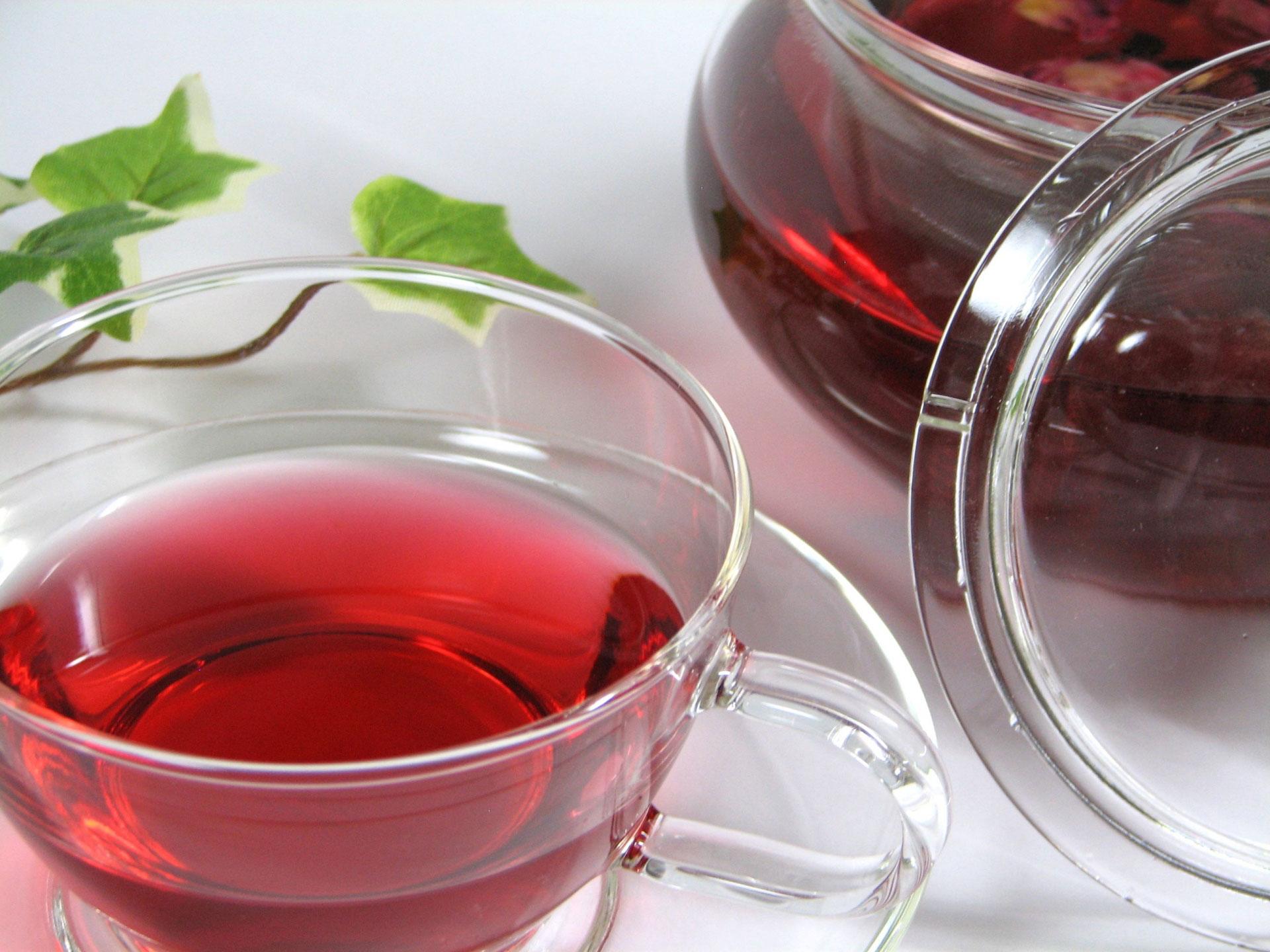 苦しい便秘から卒業したい!便秘を解消する9種類のお茶の秘密を徹底解説。ローズヒップティー