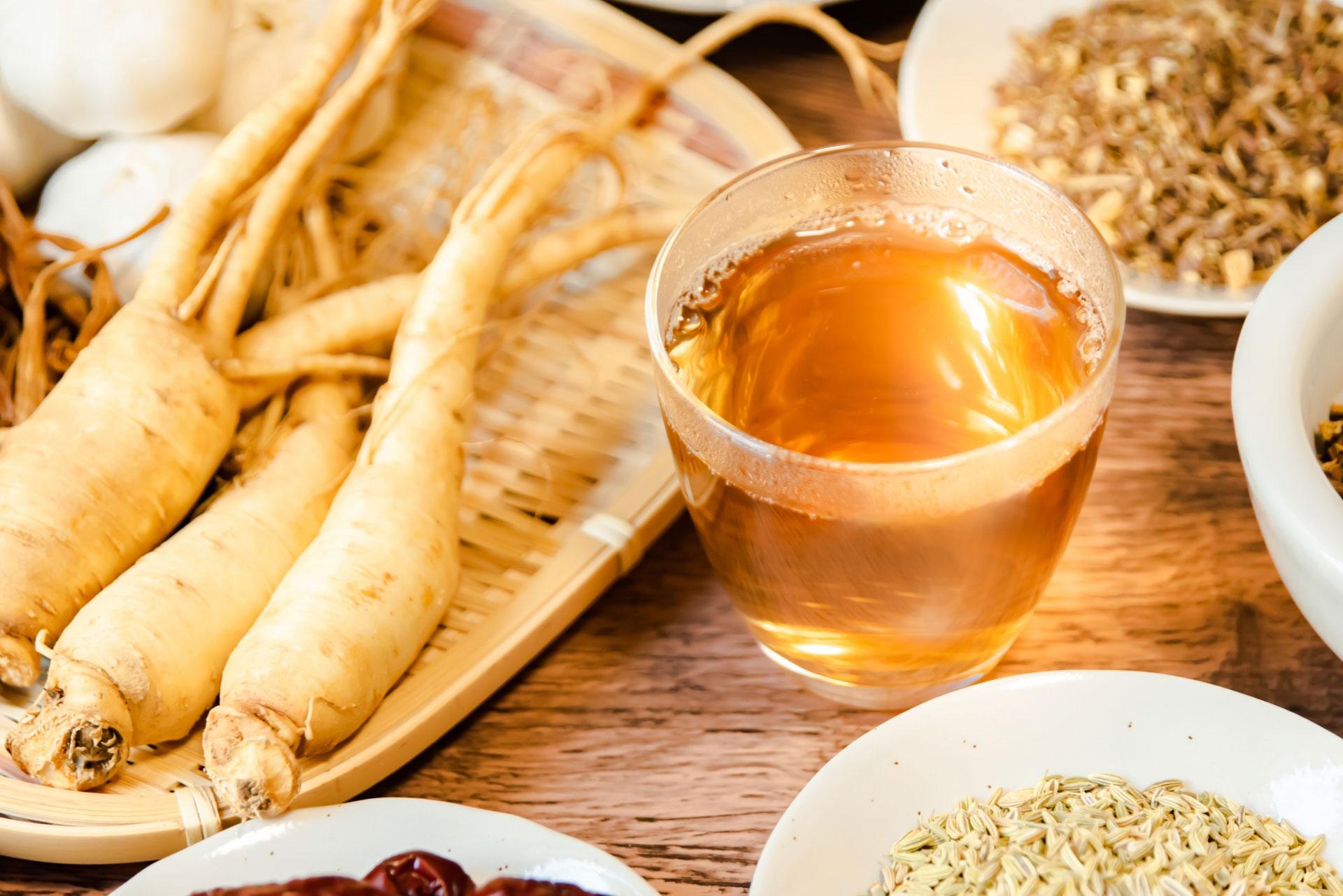 苦しい便秘から卒業したい!便秘を解消する9種類のお茶の秘密を徹底解説。ウコン茶